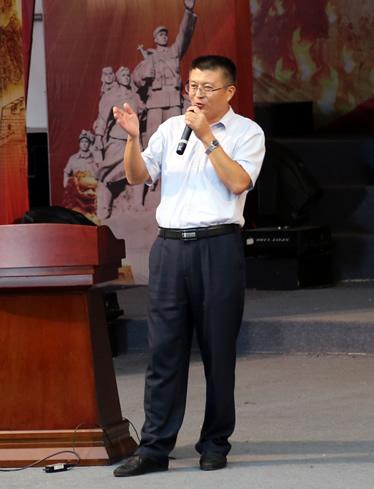 张磊:《新教师、辛征程、一切从心开始》